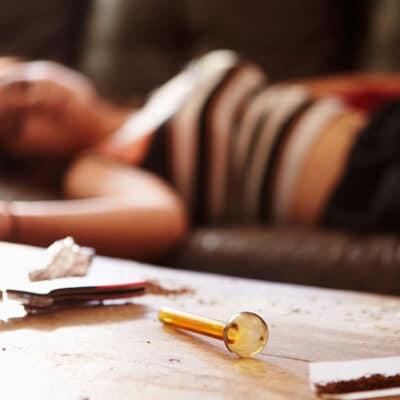 اپیزود دوازدهم : نوجوانان و مصرف دراگ ، الکل ، مخدر ؛ پدر ! مادر ! شما متهمید !