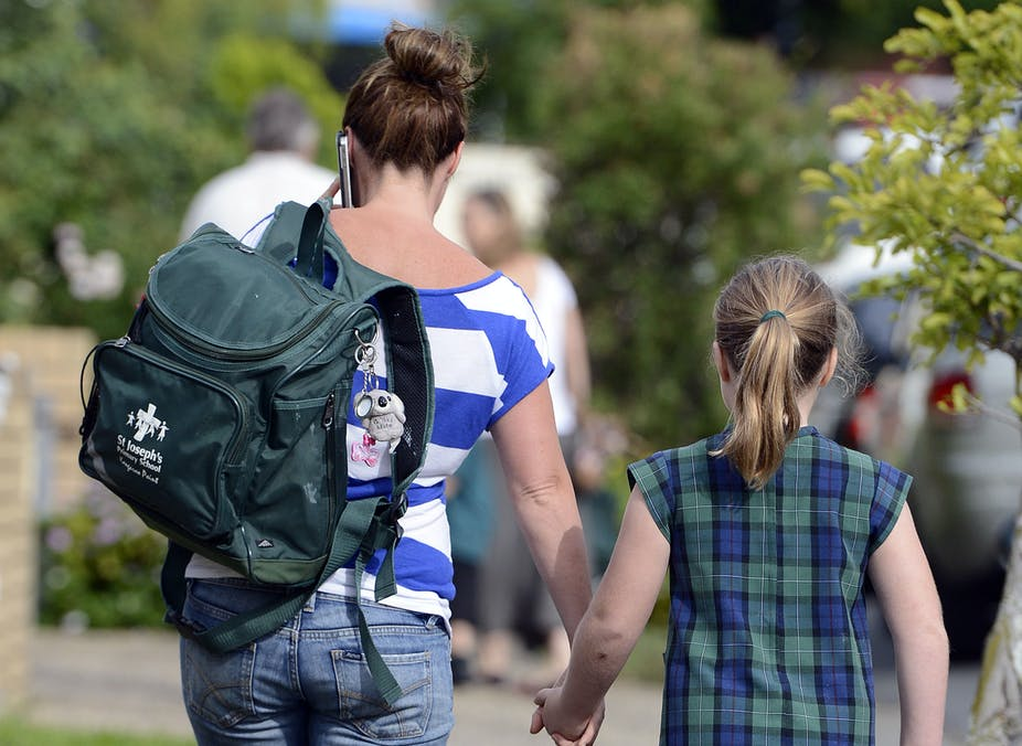 اپیزود سیزدهم : اولین روز مدرسه ؛ با اضطراب جدایی و اضطراب از غریبه ها چه باید کرد؟